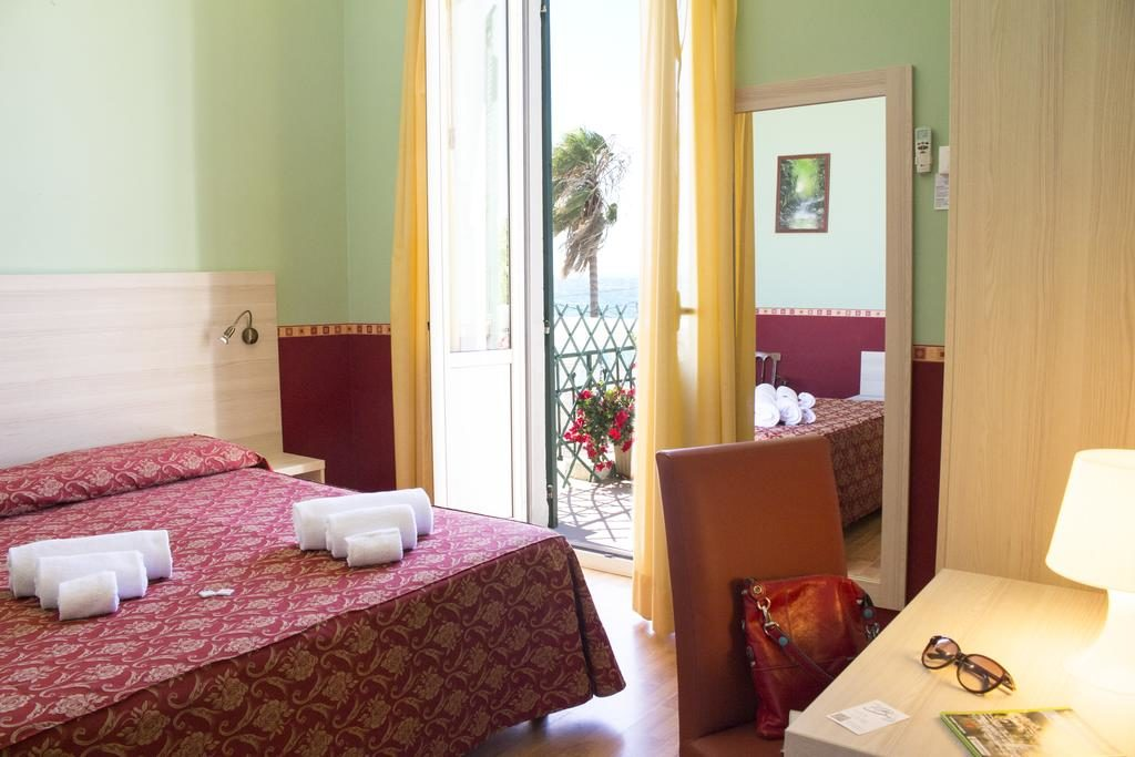 Camera matrimoniale Vista mare